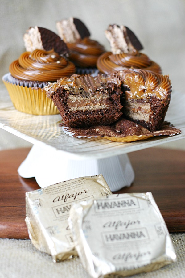 chocolate-alfajor-cupcakes