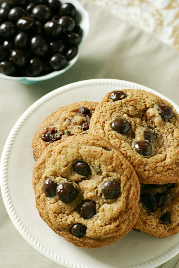 Pomegranate-chocolate-chip-cookies