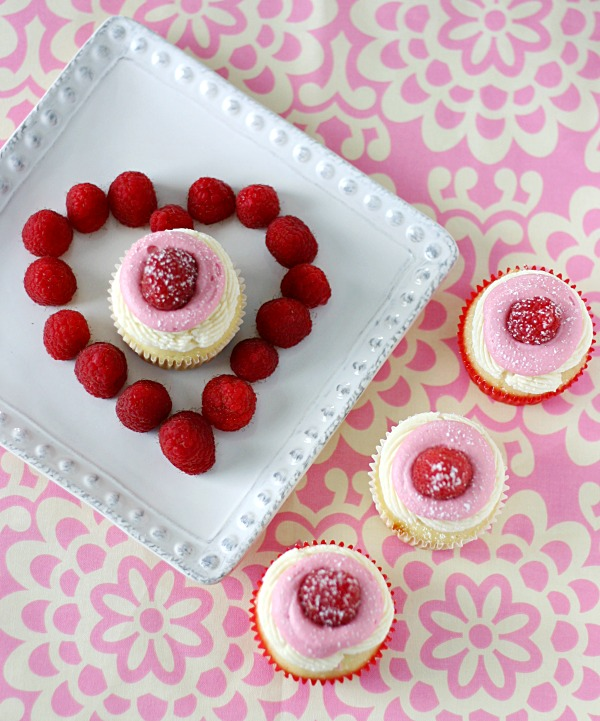 white-chocolate-raspberry-mousse-cupcakes