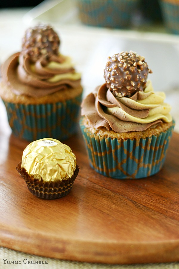 Pumpkin Cupcakes with Pumpkin and nutella swirled buttercream frosting ...