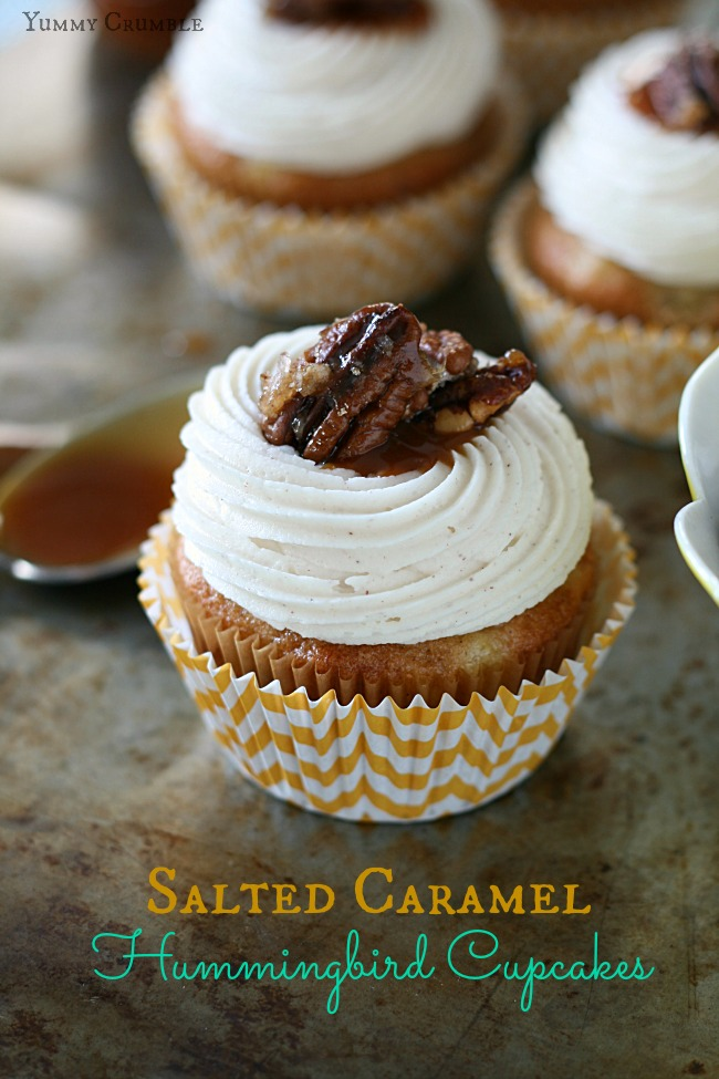 Salted Caramel Hummingbird Cupcakes with Cinnamon Cream Cheese Frosting and Candied Pecans - www.yummycrumble.com