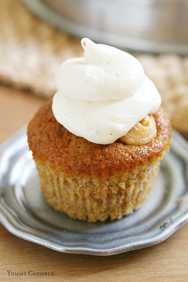 Snickerdoodle Crupcakes with Cream Cheese Frosting