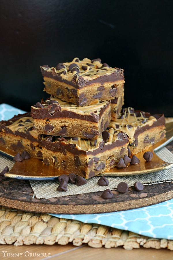 Chocolate Chip Peanut Butter Blondies - Yummy Crumble